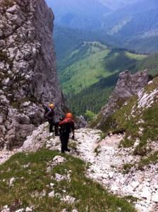 (03) Urcand pe valcelul Cabanierului - eu si Radu
