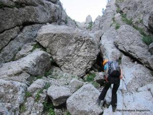 (233) Coborand pe valea Galbinele - eu la al 3-lea rapel